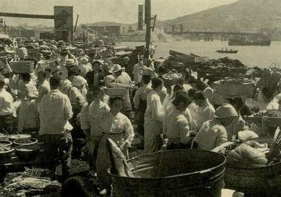 Mercado internacional en Busan durante la guerra coreana